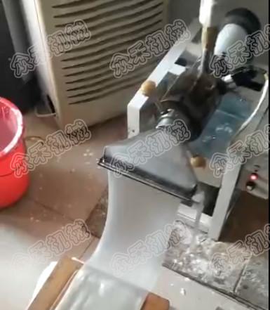 天津擀面皮机用户赵老板