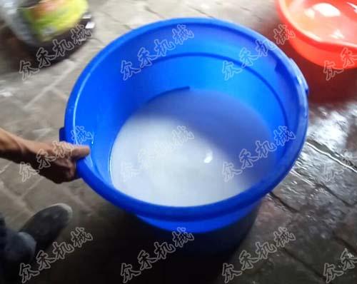 100型面皮洗面机使用方法洗好的面浆